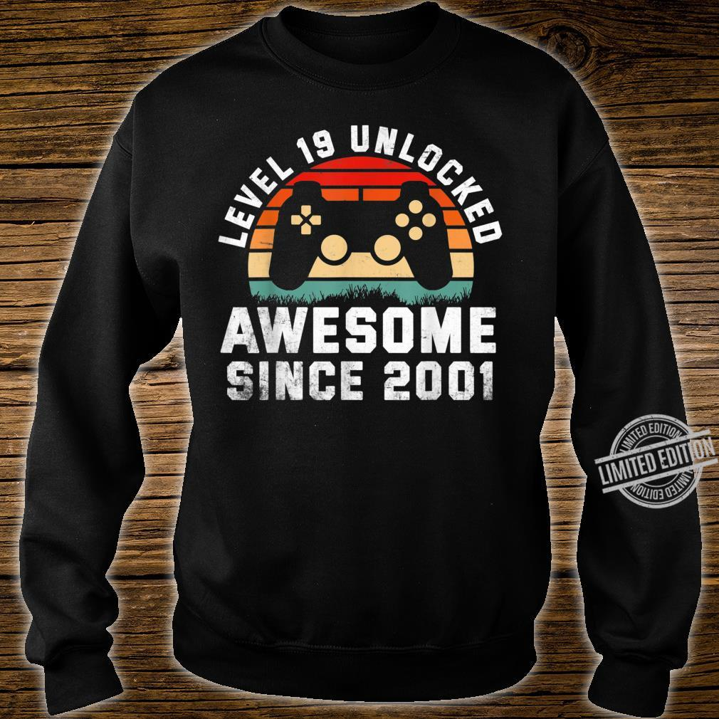 Awesome Since 2001 19th Birthday Gamer 19 Year Old Shirt sweater
